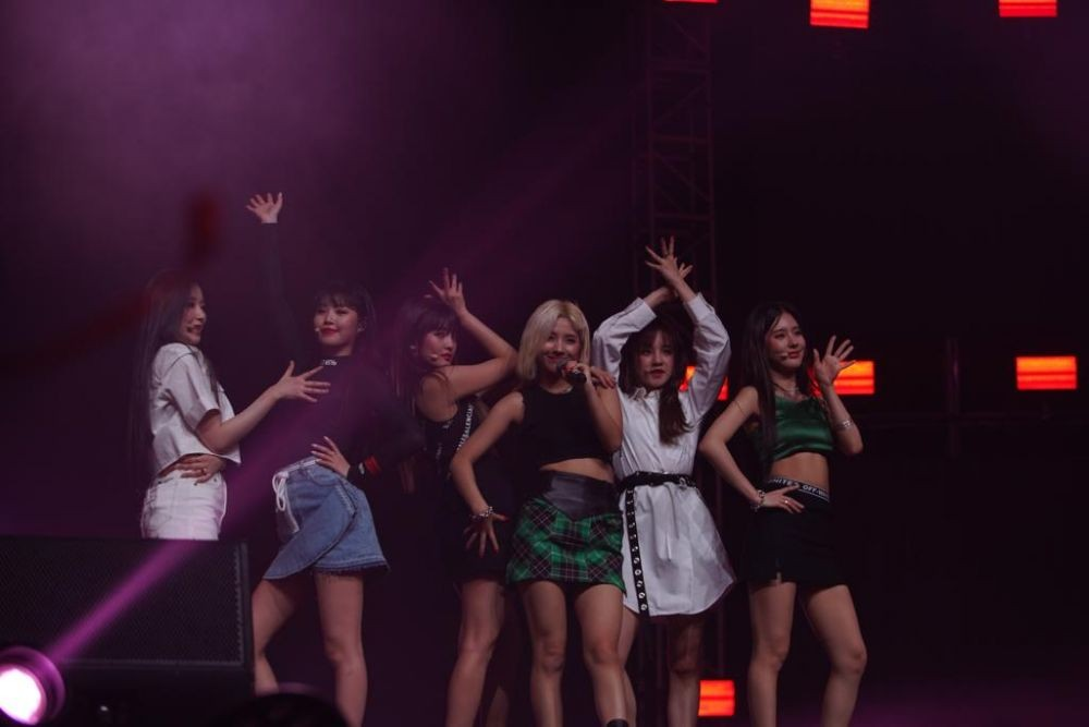 K-pop group (G)I-DLE performs for the first time in Indonesia at 2019 Spotify on Stage in Jakarta on Friday.