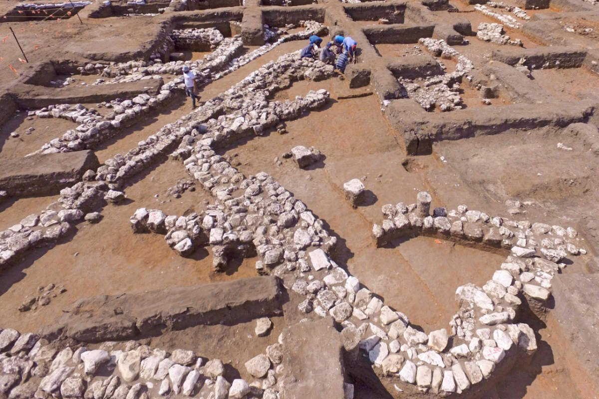 Israel unveils remains of 5,000-year-old city