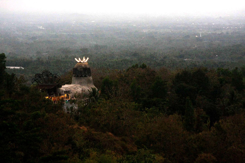Feasting the eyes on nature from Punthuk Setumbu hilltop