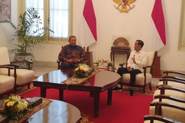 Jokowi, Yudhoyono meet, talk possible merger for upcoming Cabinet