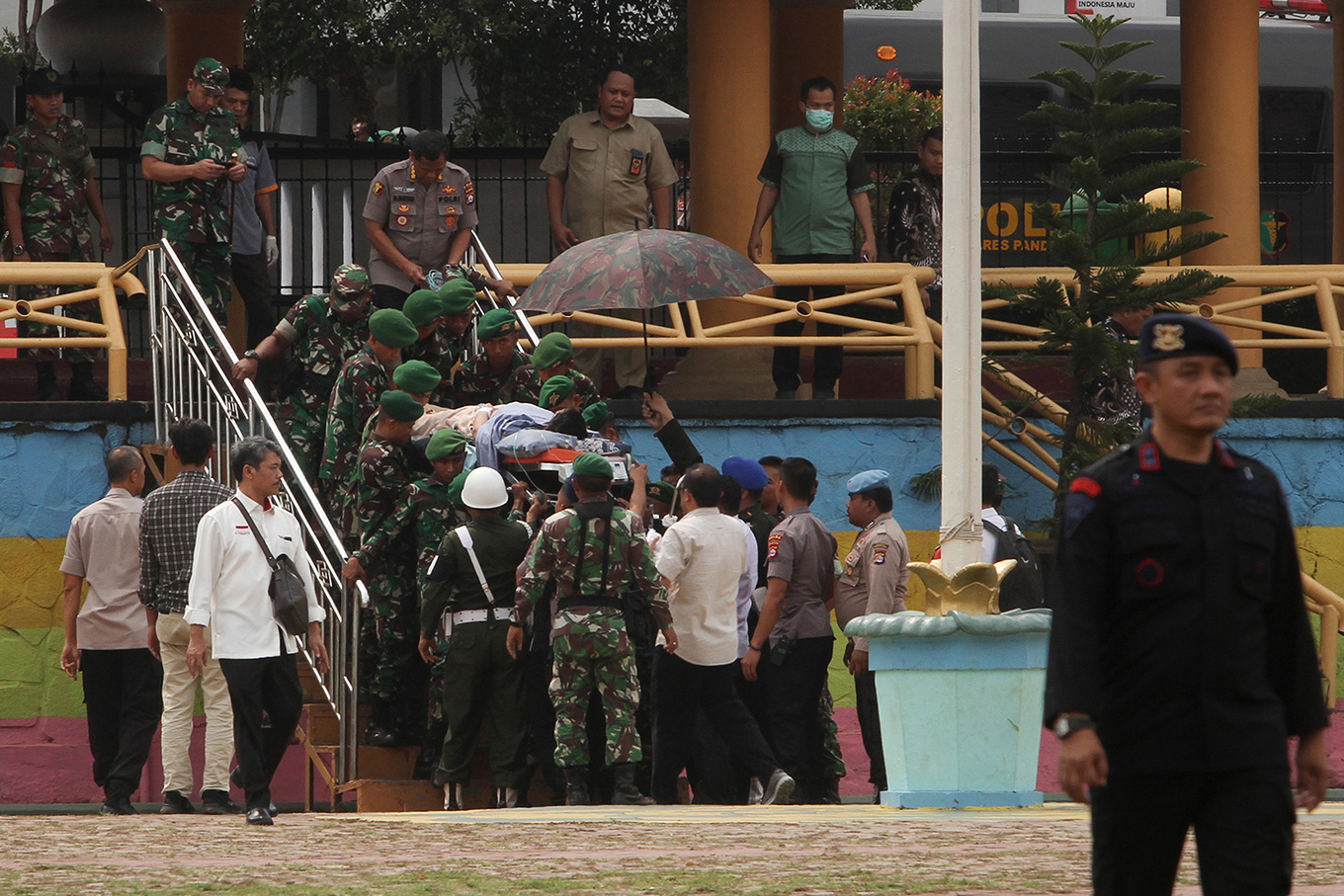 Indonesian Military removes officers after spouses post Facebook comments on Wiranto's attack