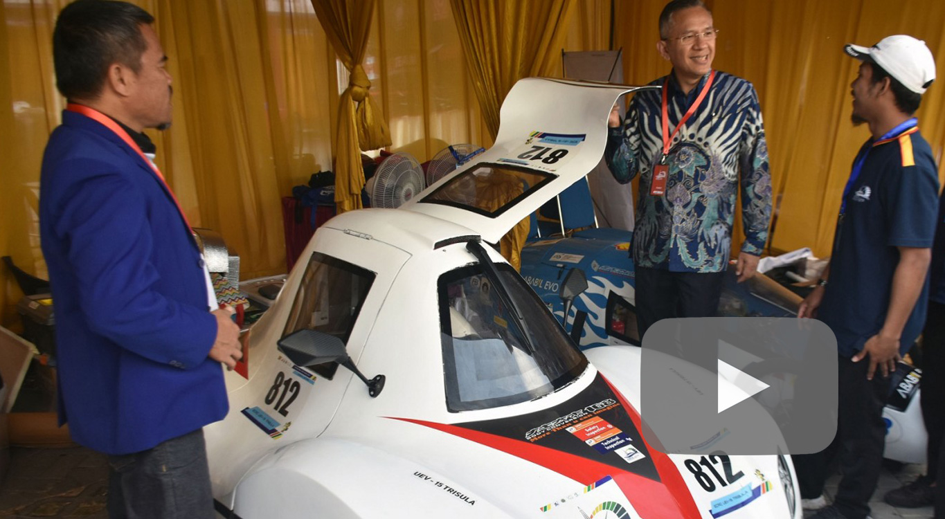 Indonesian students battle it out at eco-friendly car contest