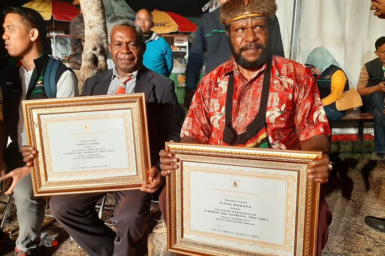 Papuans win peace awards for saving non-native Papuans during Wamena riot