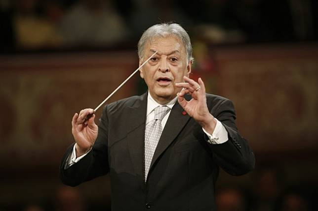 Conductor Zubin Mehta takes final bow with Israeli orchestra
