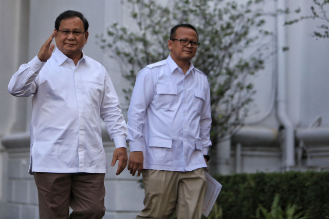 Jokowi officially asks Gerindra to join new Cabinet: Prabowo