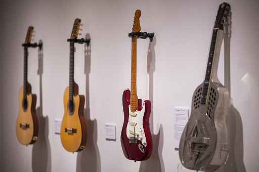 Guitar maker Fender hopes to rock revenues with digital song-learning app