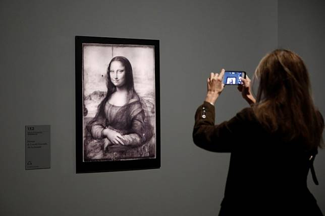 Intrigue over absent masterpiece as da Vinci show opens doors