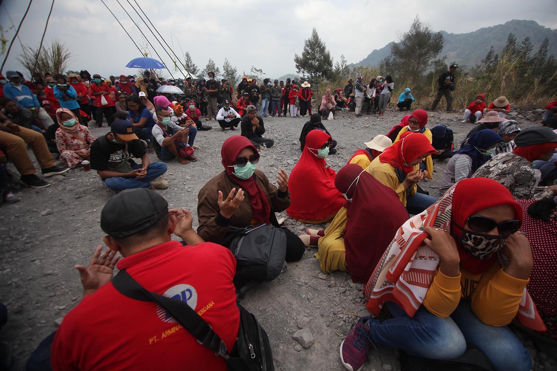 Participants say a prayer at the Merapi Kenduri. JP/Boy T Harjanto