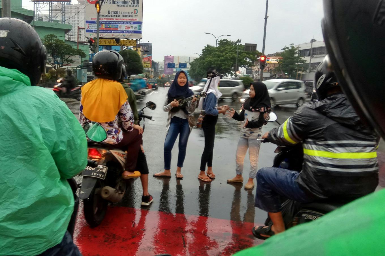 Regulate street performers instead of punishing them