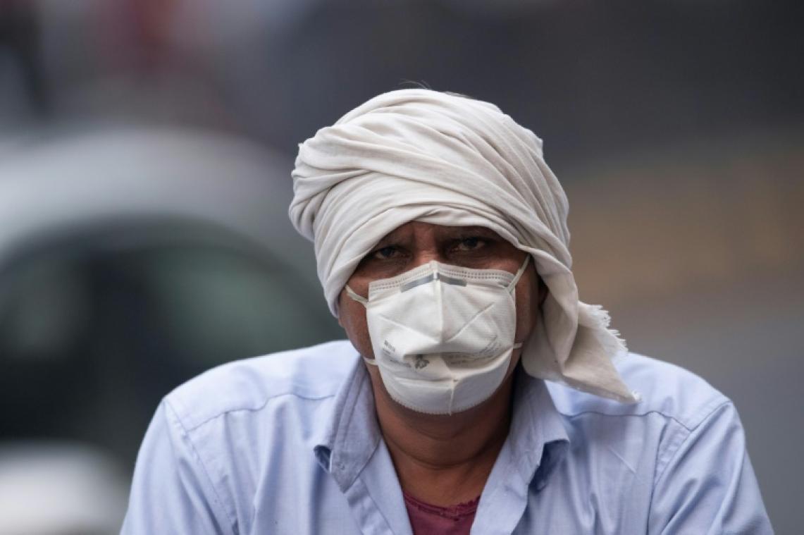 Millions in New Delhi endure 'eye-burning' smog