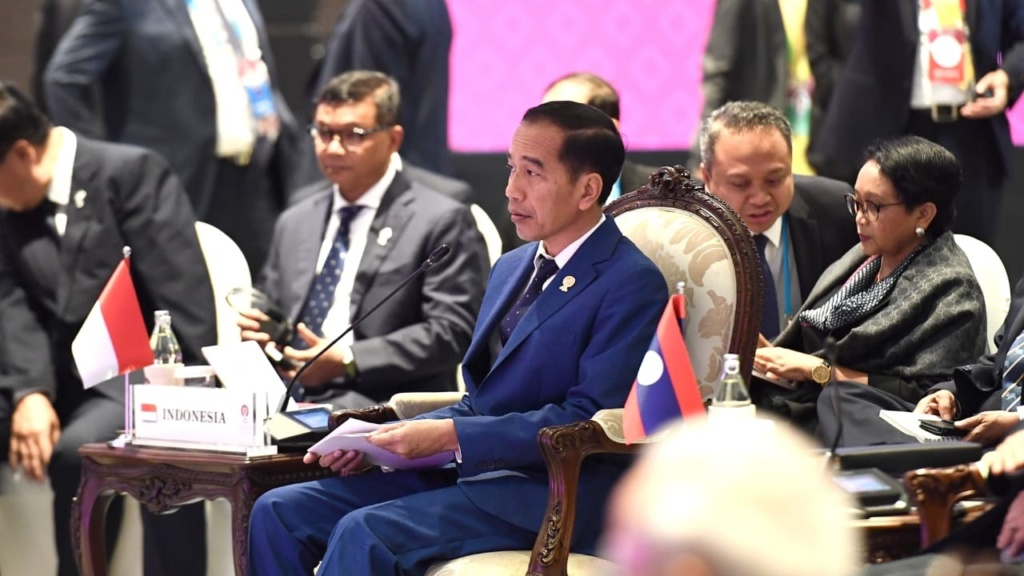 Jokowi says no to Southeast Asia becoming 'landfill for hazardous and toxic waste'