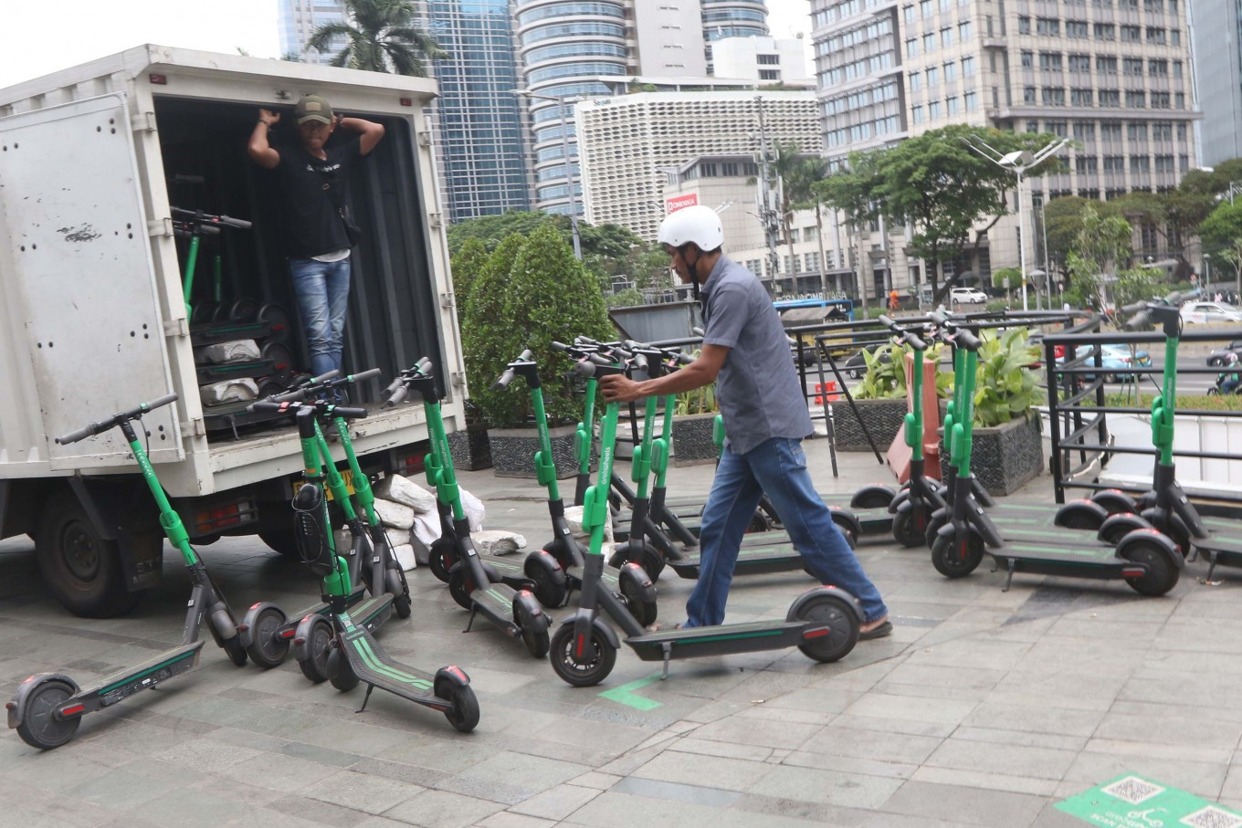 Transportation Ministry urges local e-scooter regulation as popularity grows