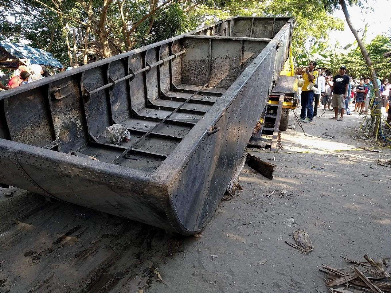 Relics from World War II recovered from Bengawan Solo River