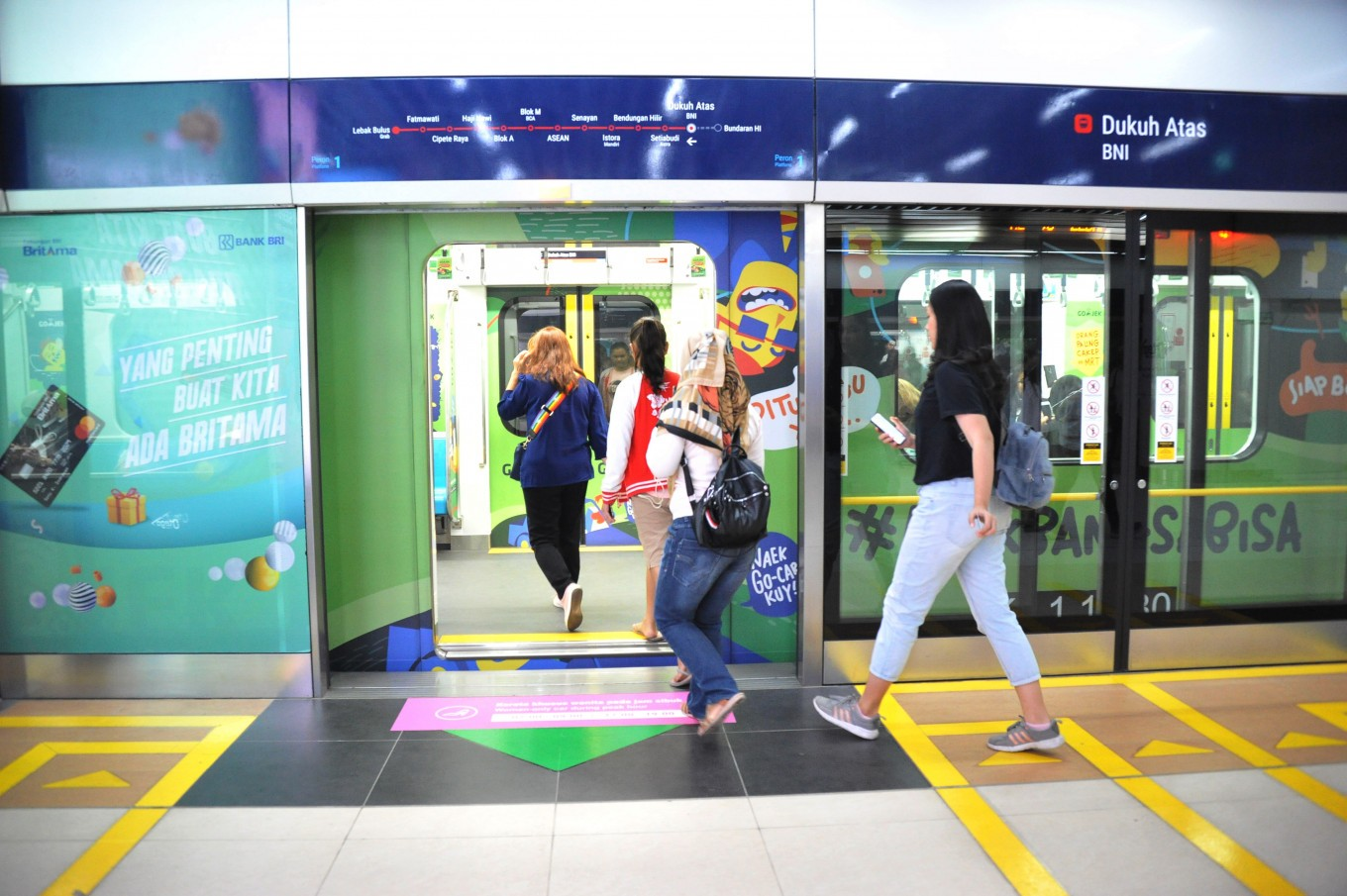 Scan and pay: MRT Jakarta soon to accept QR code payments for tickets