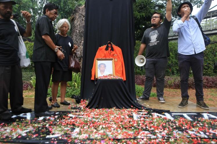 Human rights advocates condemn attorney general for neglecting Semanggi tragedies