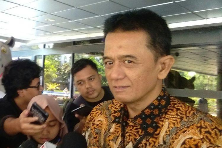Former KPK deputy chief Chandra Hamzah summoned by SOEs Ministry