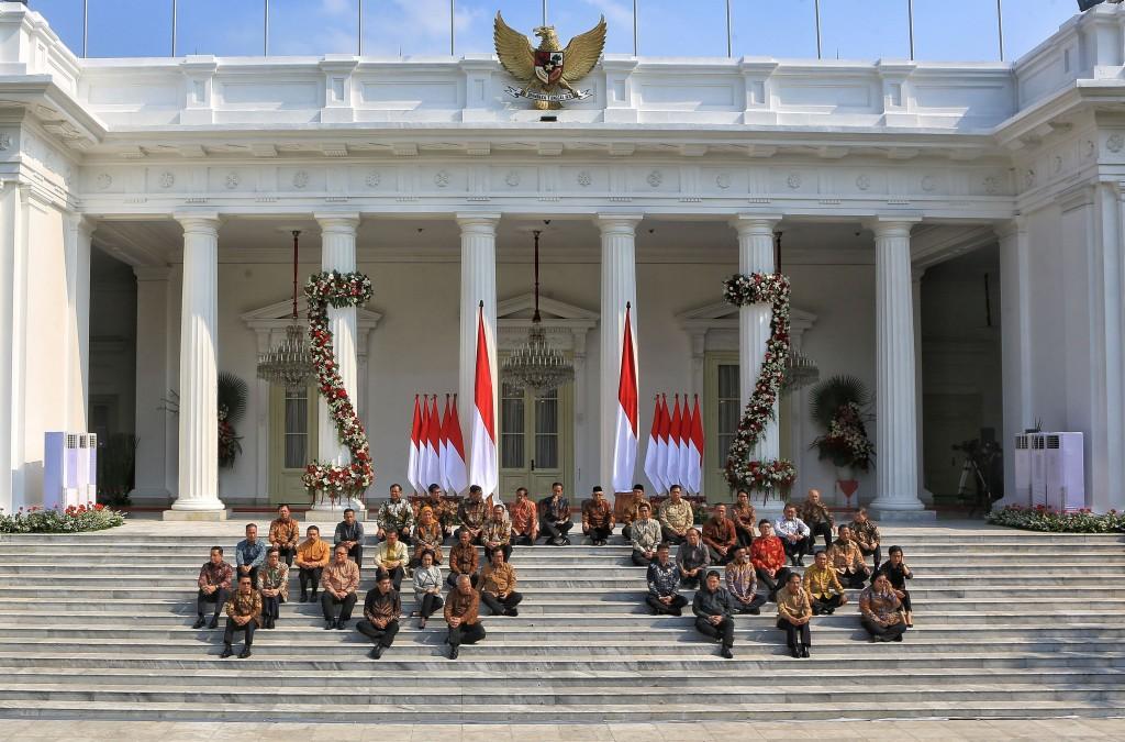 Coalition parties mull Jokowi's reshuffle threat