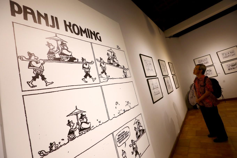 The 'Komedi Priyayi Panji Koming' exhibition at Bentara Budaya, Central Jakarta, displays the late Dwi Koendoro's comic strip 'Panji Koming' from the first to the last issue.