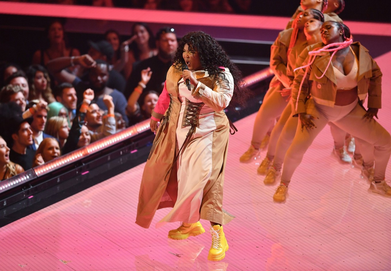 Breakout star Lizzo tops fledgling field at Grammy noms
