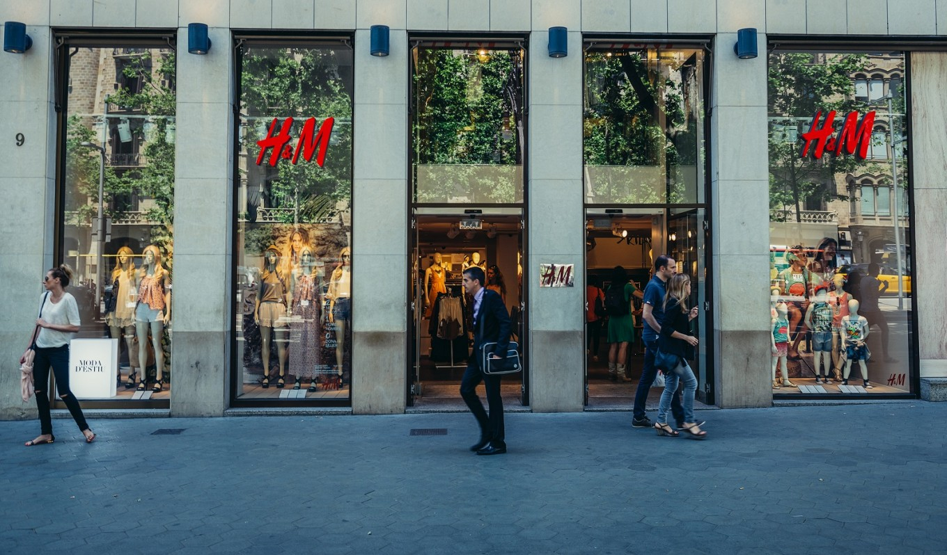 H&M trials renting clothes option in a bid to tackle environmental concerns