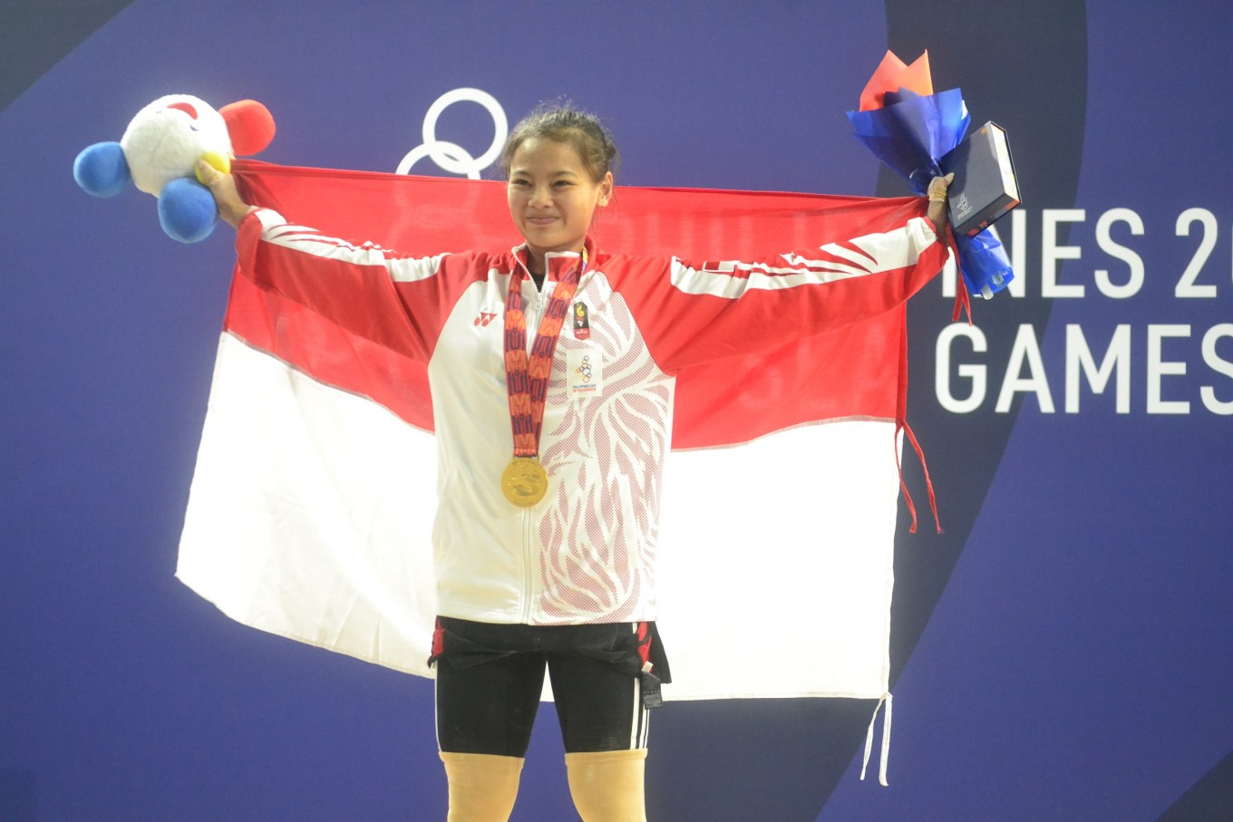 SEA Games: Windy wins weightlifting gold for Indonesia in her debut