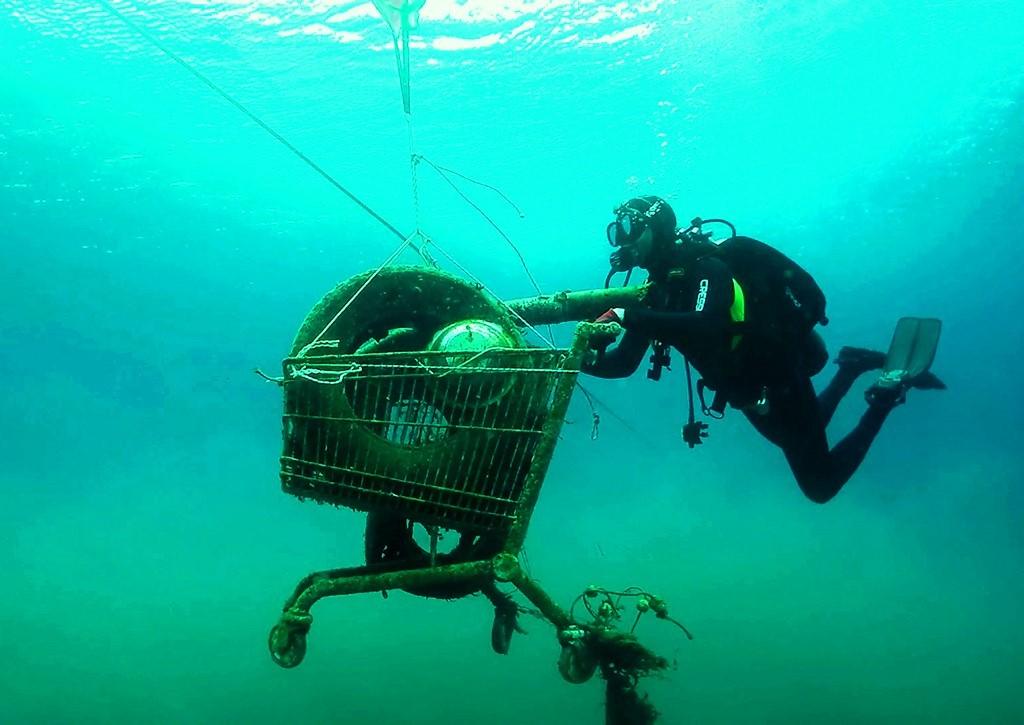 Aegean volunteers battle to turn plastic waste tide