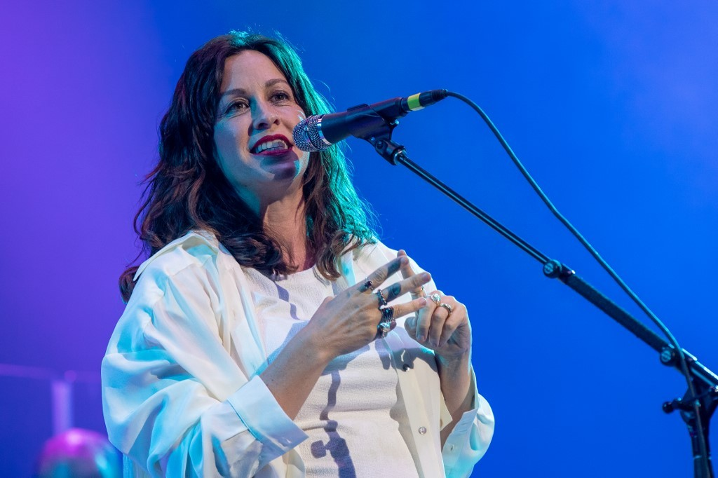 Alanis Morissette's Manila concert set on April 6 and 7 at MOA Arena