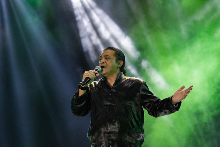 """Curtain call: Didi Kempot appears on April 16, 2020 in what turned out to be his last public performance as part of the """"Konser Amal Dari Rumah"""" weekly concert series on 'Kompas TV'."""