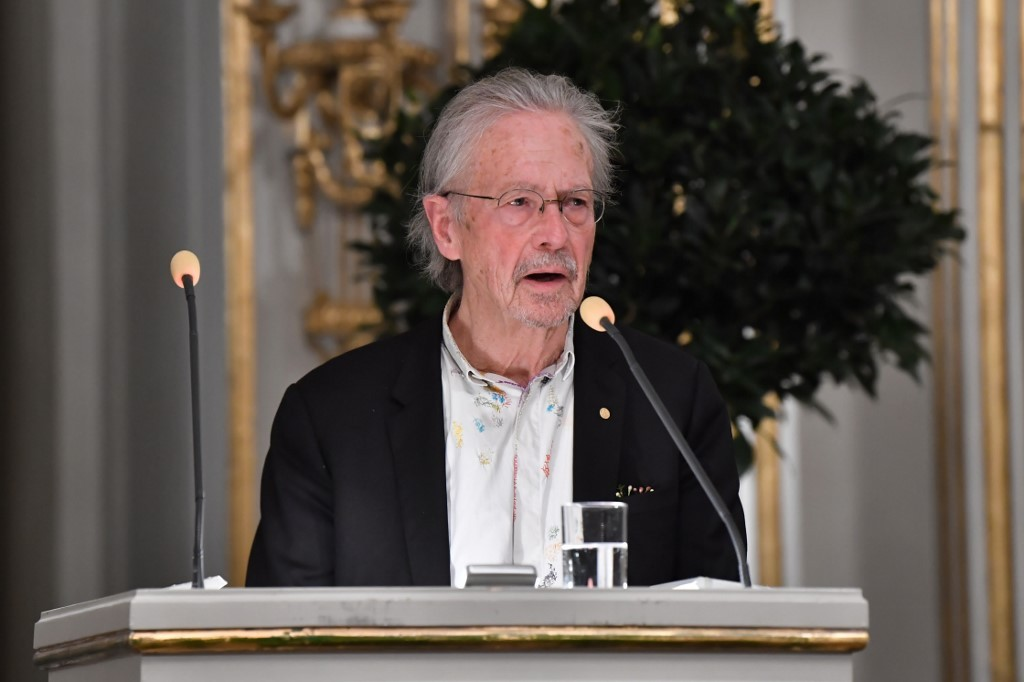 Writer Handke steers clear of controversy in Nobel lecture
