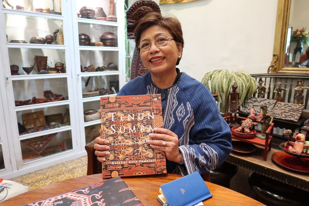 'These are our symbols': Author champions Sumba's woven fabrics