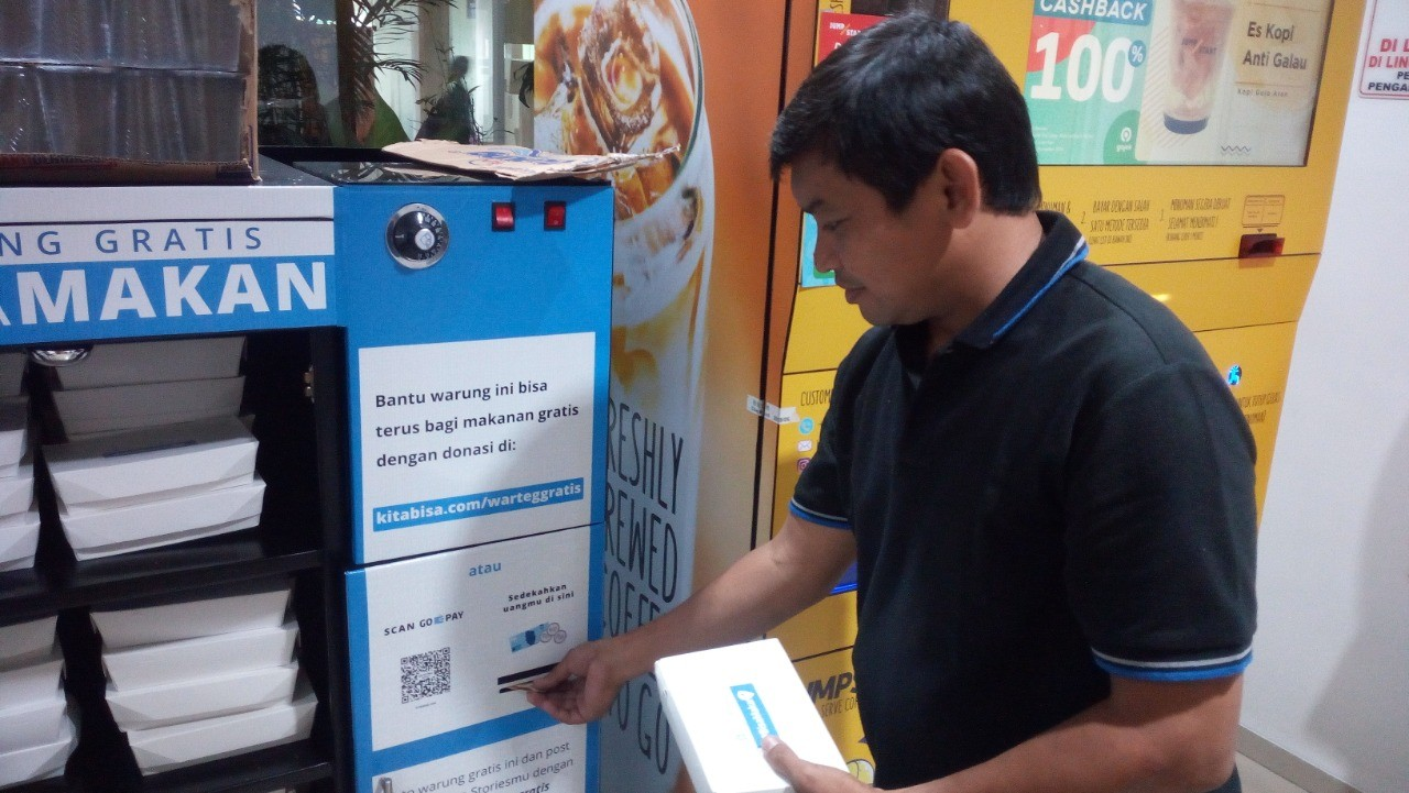 Free food for all provided in two Jakarta hospitals