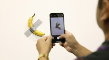 Man eats $120,000 piece of art -- a banana taped to wall