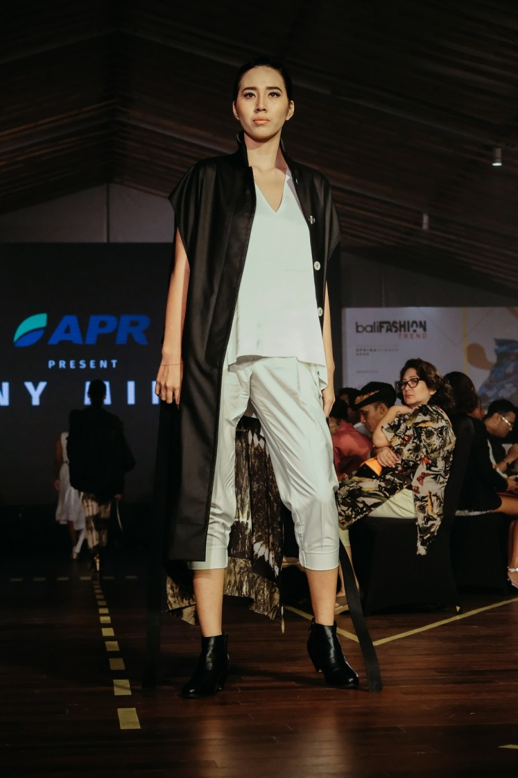 Eny Ming's collection is showcased at Bali Fashion Trend 2019.