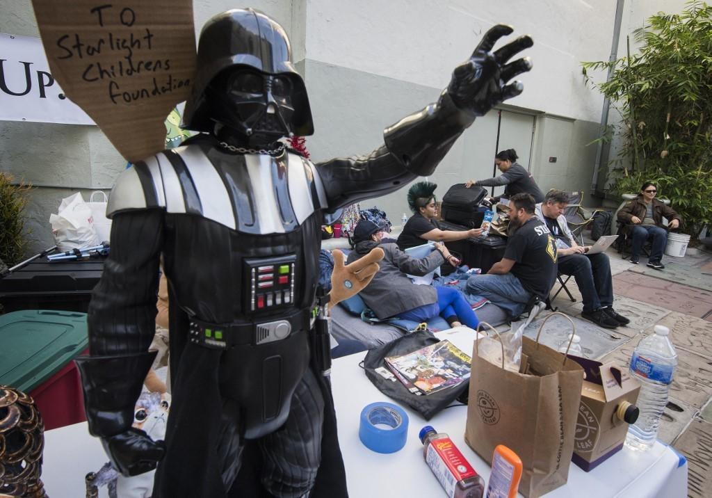 Star Wars fans camp outside LA theater week before film opens