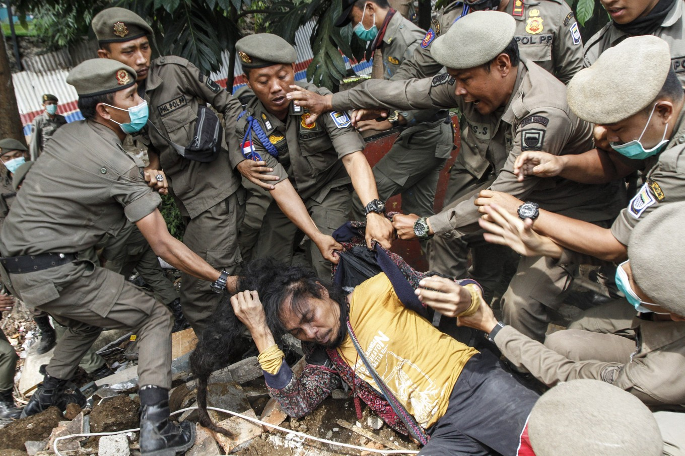 Bandung brawl as residents resist 'illegal' evictions