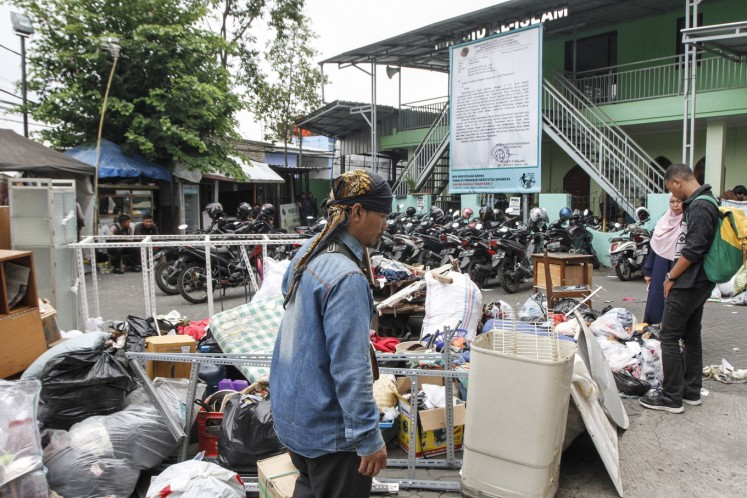 Rifqi Zulfikar, the residents' lawyer from the Bandung Legal Aid Institute (LBH Bandung), called the eviction illegal as the residents' lawsuit against the city's Public Housing and Settlement Agency was ongoing at the Bandung State Administrative Court.
