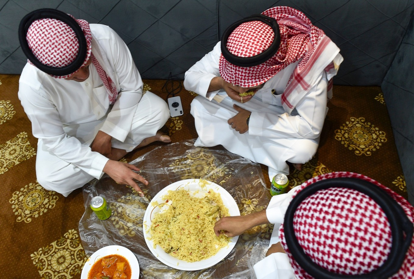 Saudis resist 'throwaway' culture of food waste