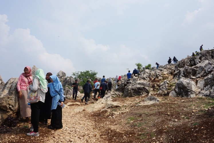 Visitors have to hike for 10 to 20 minutes from the entrance to reach the top of the Stone Garden.