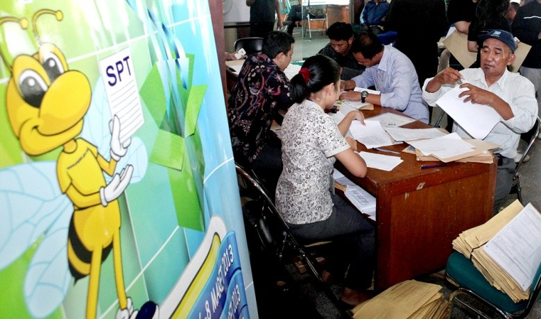 Breaking curse of Indonesia's tax revenue shortfall