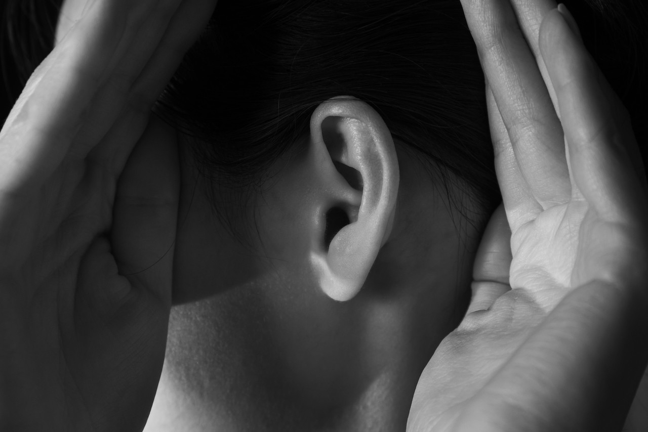 Shaking head vigorously to free ears from water could be harmful
