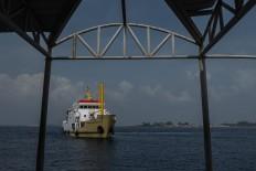 The Sabuk Nusantara 66 approaches the docks of Pulau Pramuka in Thousand Islands regency. The ferry stops at only three of the regency's islands, namely Untung Jawa, Pramuka and Kelapa. JP/Rosa Panggabean