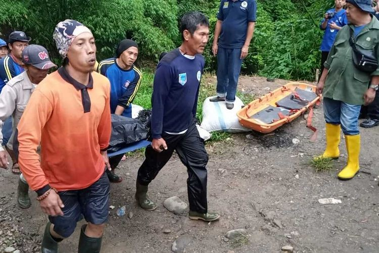 Death toll rises to 35 after bus crash in South Sumatra