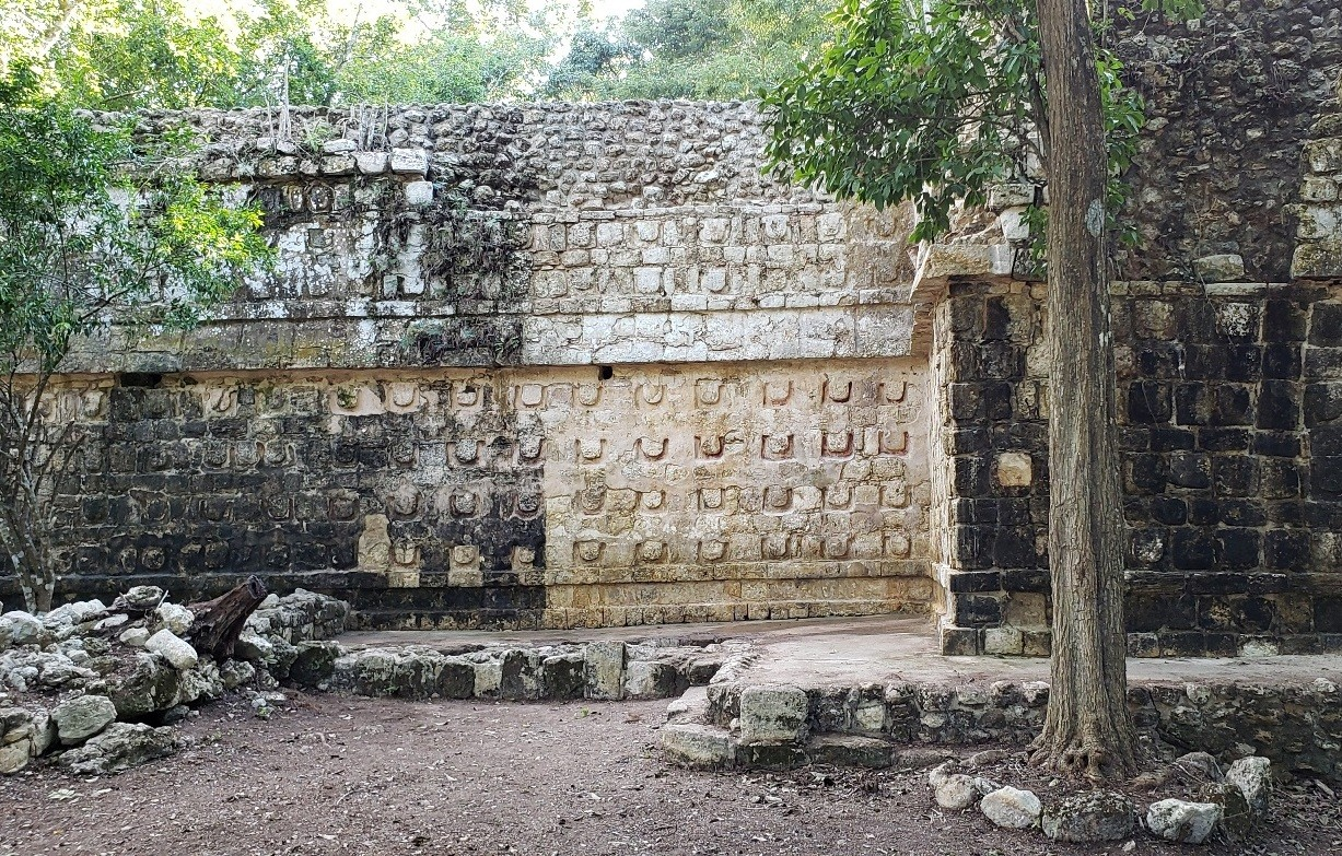 Archaeologists discover ancient Mayan palace in eastern Mexico
