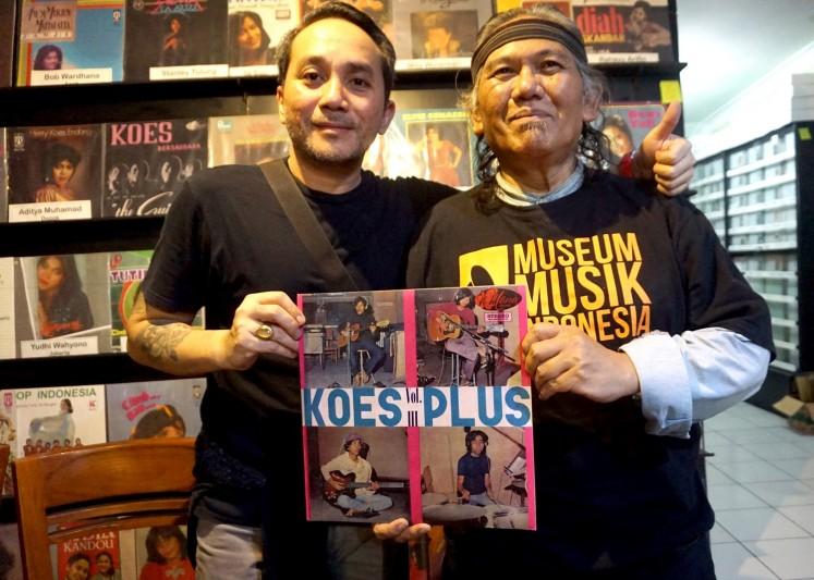 David Koeswoyo (left) poses with the head of the Indonesian Music Museum, Hengki Herwanto, in Malang, East Java, on Sunday.