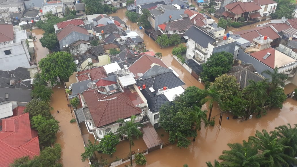 Power cut to 724 areas as massive floods hit Jakarta