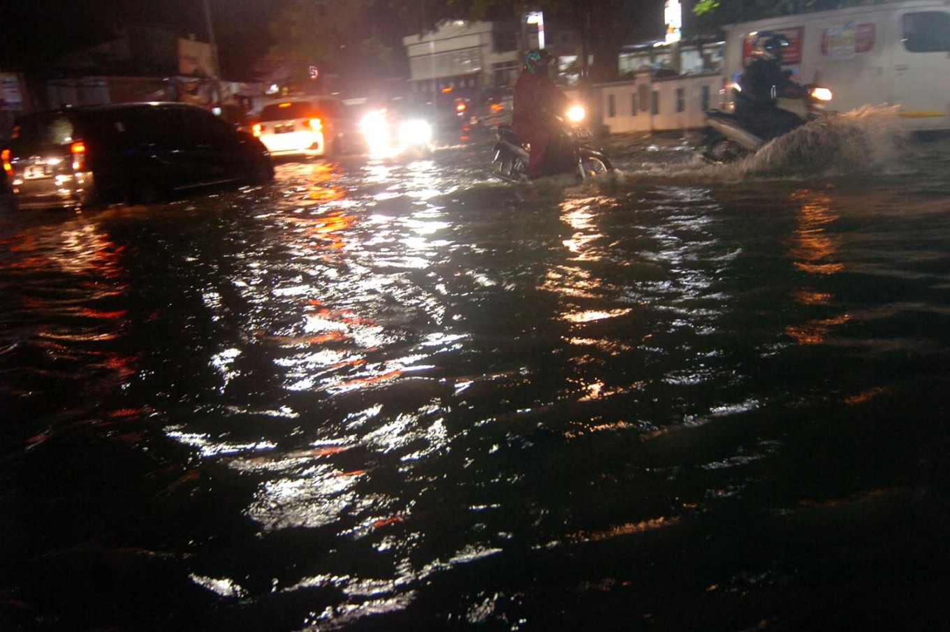 Heavy rains deluge West Java, Bengkulu during New Year's Eve