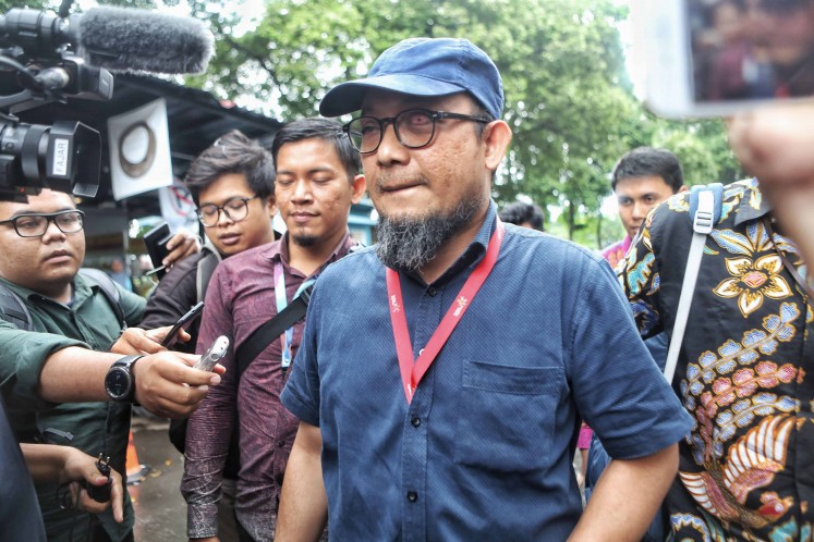 Corruption Eradication Commission (KPK) investigator Novel Baswedan arrives at the Jakarta Police headquarters on Dec. 6, 2019.