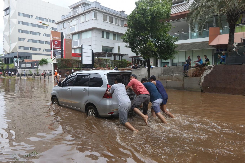 BMKG warns of heavy rain in Banten, West Java in week ahead