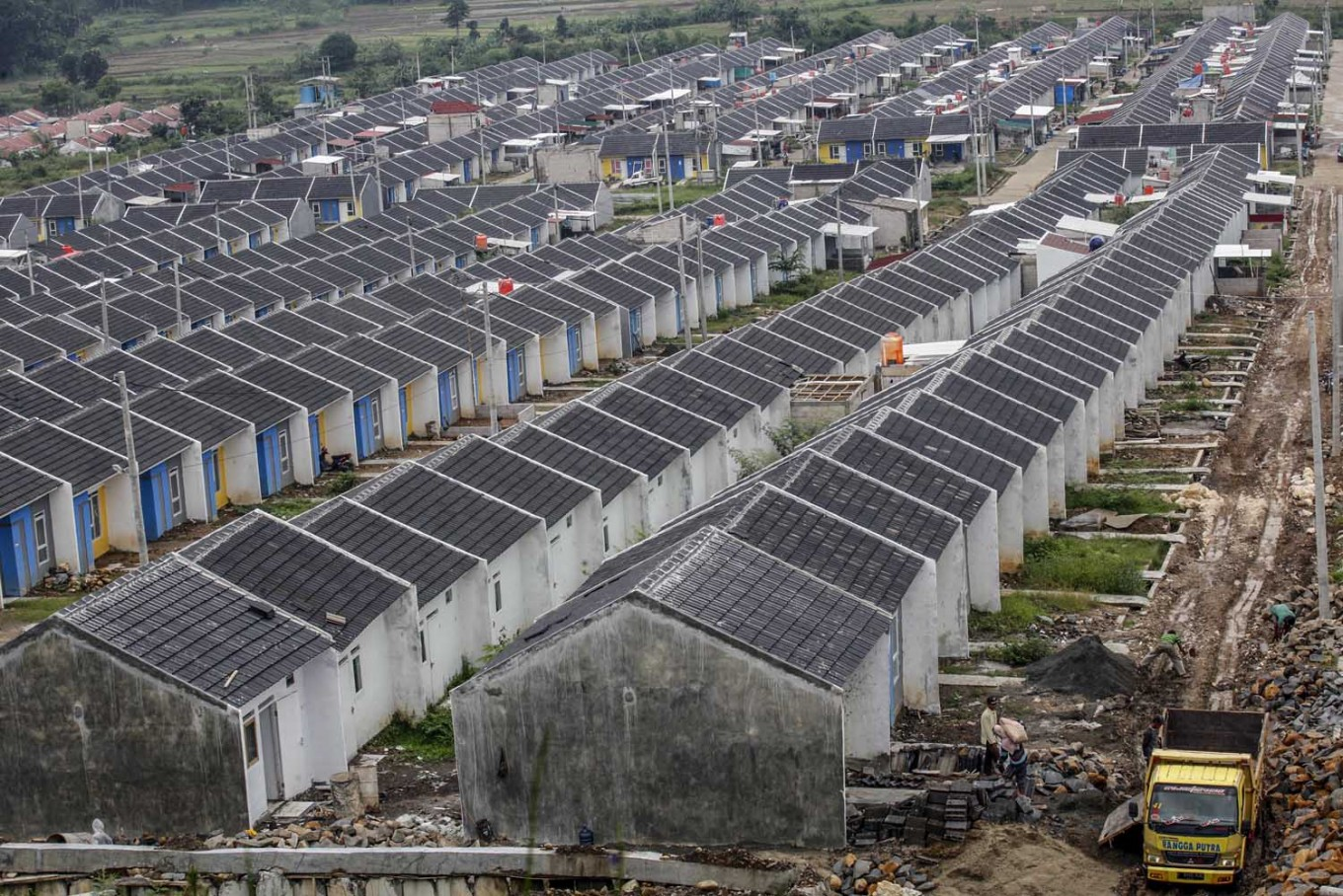 Property market unaffected by coronavirus, but share prices plunge