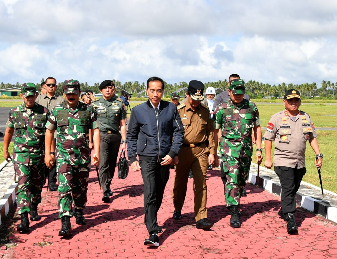 Jokowi visits Natuna, set to inspect waters amid ongoing spat with China